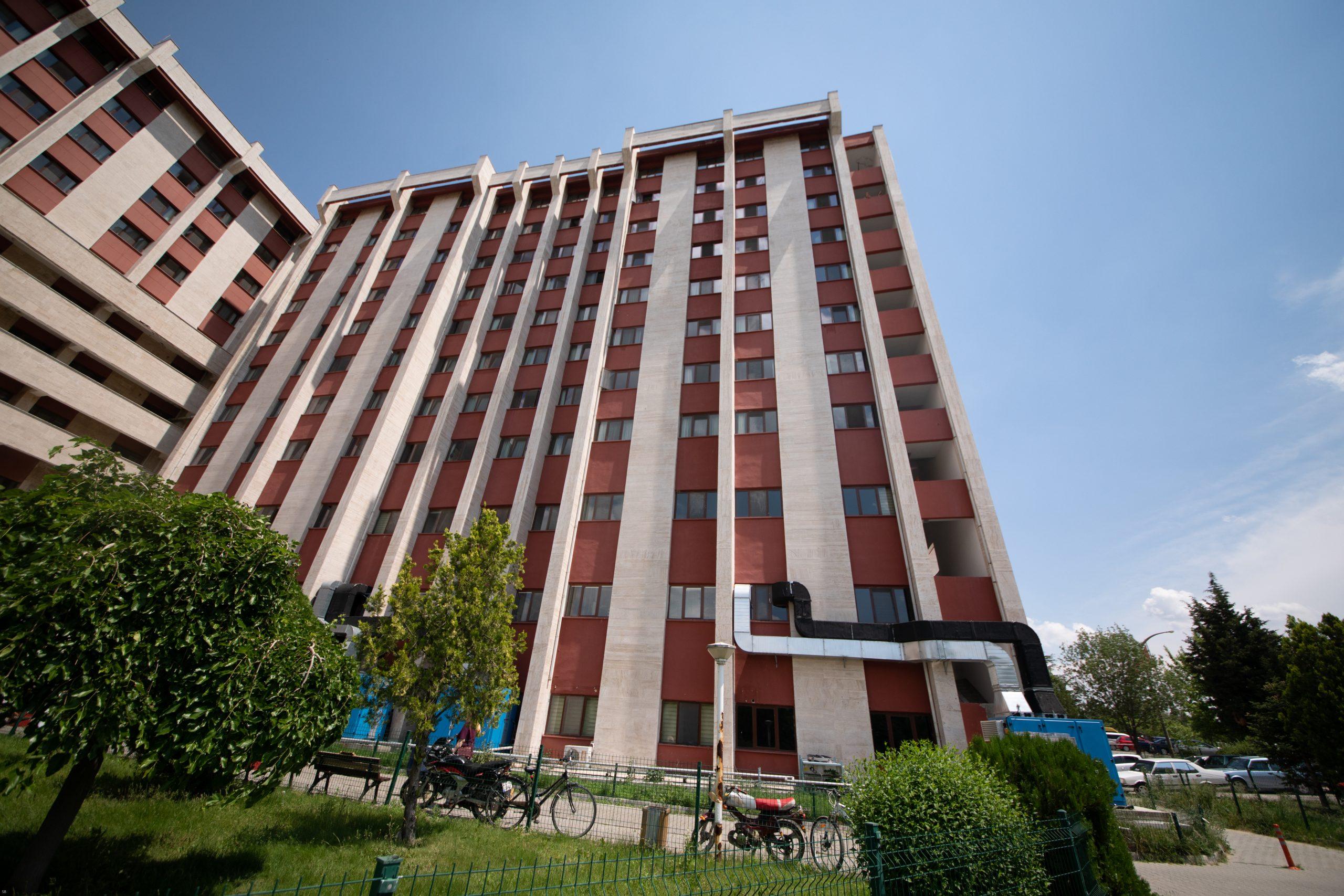 T.Ü.Tıp Fakültesi Hastanesi A2-A3-A4-A6 Blokları Onarımı İşi